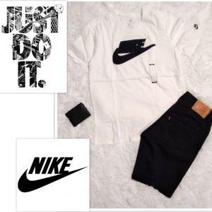 Large The Nike Tee men off-white short sleeve